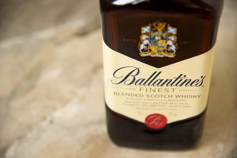 Ballantines whisky produkuj?cy Pernod Ricard w Dumbarton, Szkocja zdjęcie royalty free
