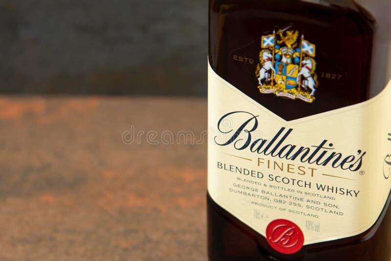 Ballantines whisky produkuj?cy Pernod Ricard w Dumbarton, Szkocja obrazy royalty free
