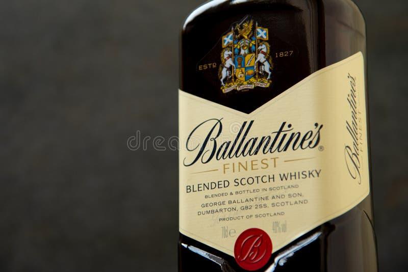 Ballantines whisky produkuj?cy Pernod Ricard w Dumbarton, Szkocja obraz royalty free