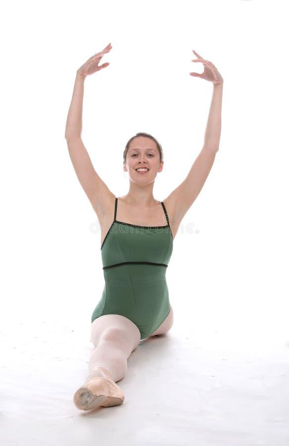 Ballerina con le braccia in su fotografia stock libera da diritti