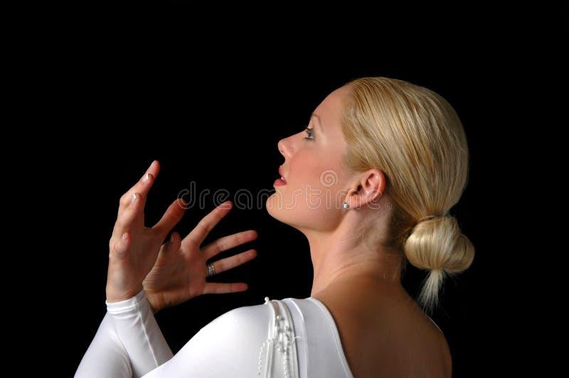 Ballerina, die Dramatism ausdrückt stockbild