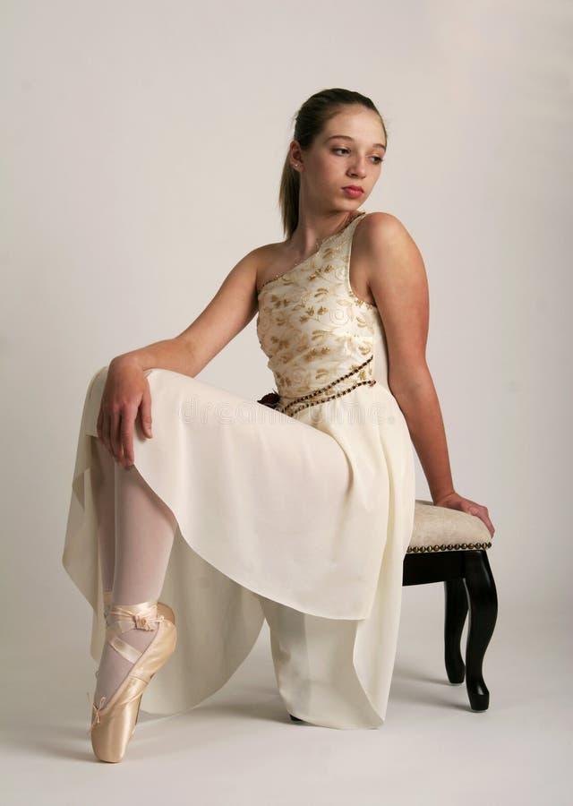 Ballerina im Ruhezustand lizenzfreies stockfoto