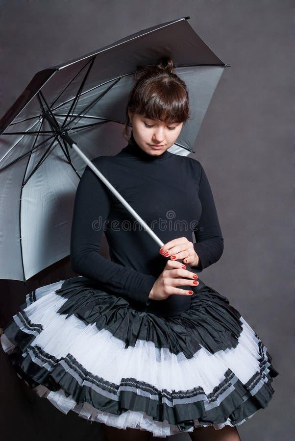 Ballerina met paraplu stock fotografie