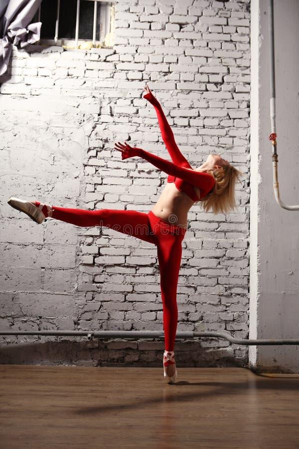 Ballerina in motie stock afbeeldingen