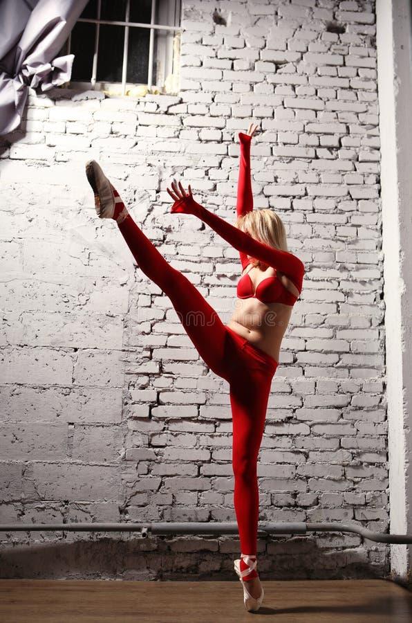 Ballerina in motie royalty-vrije stock afbeelding