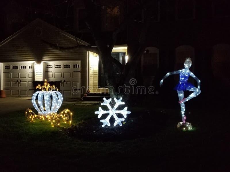 Download Ballerina-Weihnachtsdekor stockfoto. Bild von schneeflocke - 106804528