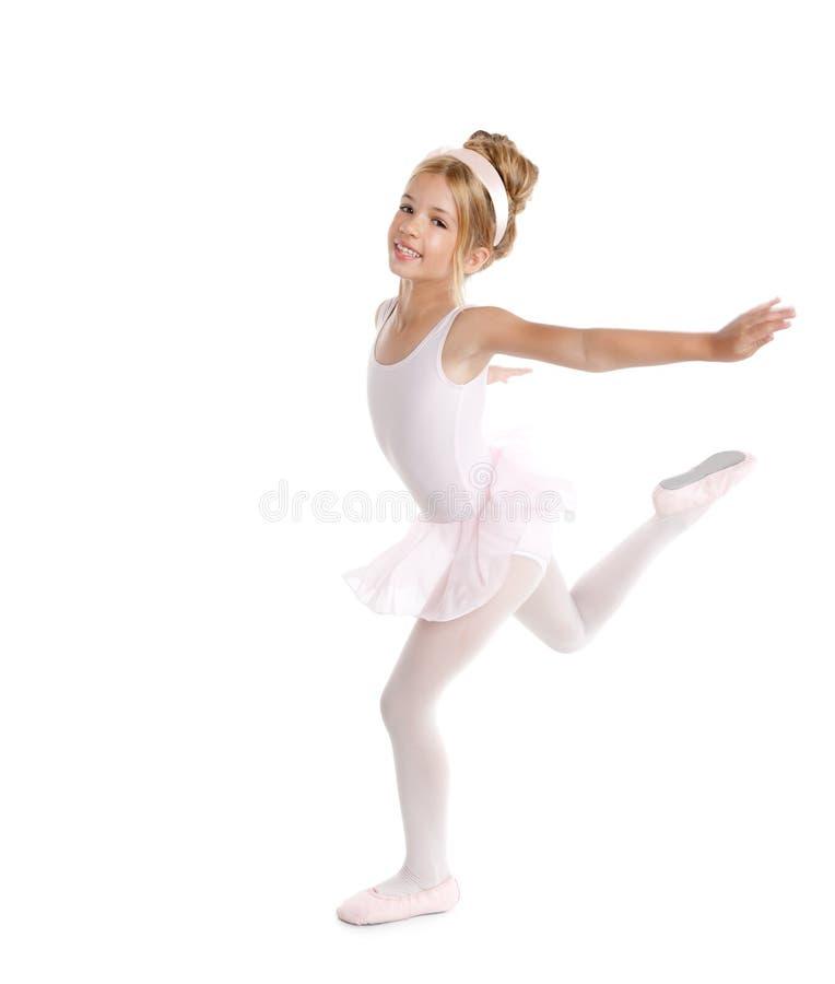 Ballerina weinig balletkinderen die op wit dansen stock fotografie