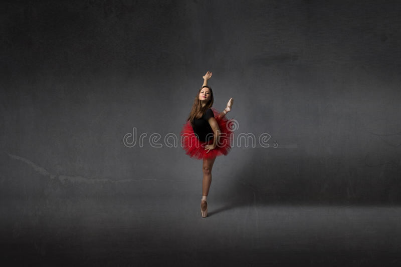 Ballerinadans på punkt royaltyfria foton