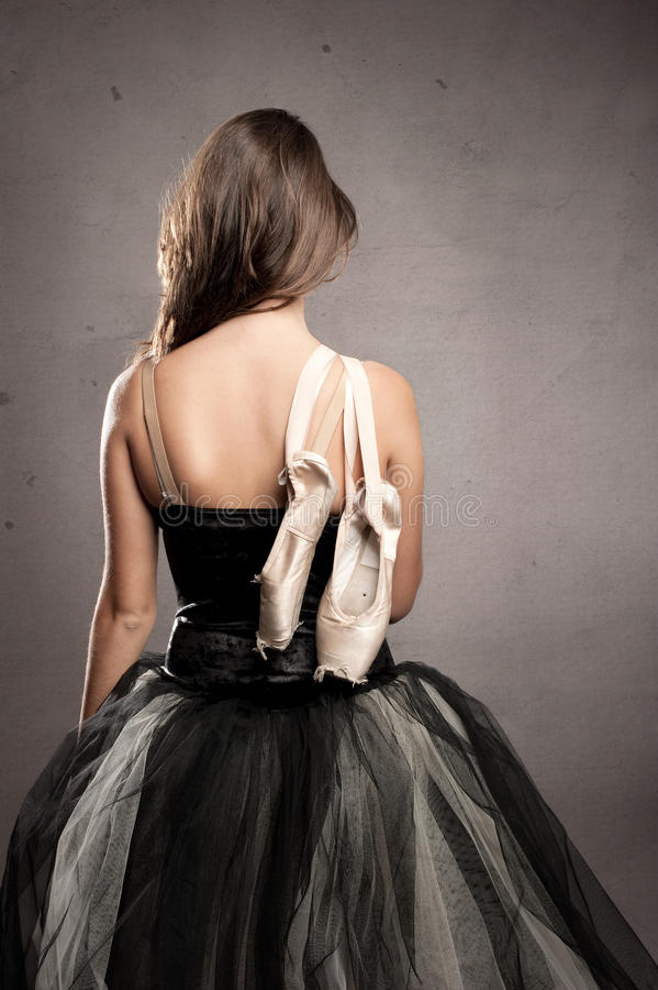 Ballerine attirante avec son dos tourné photo libre de droits
