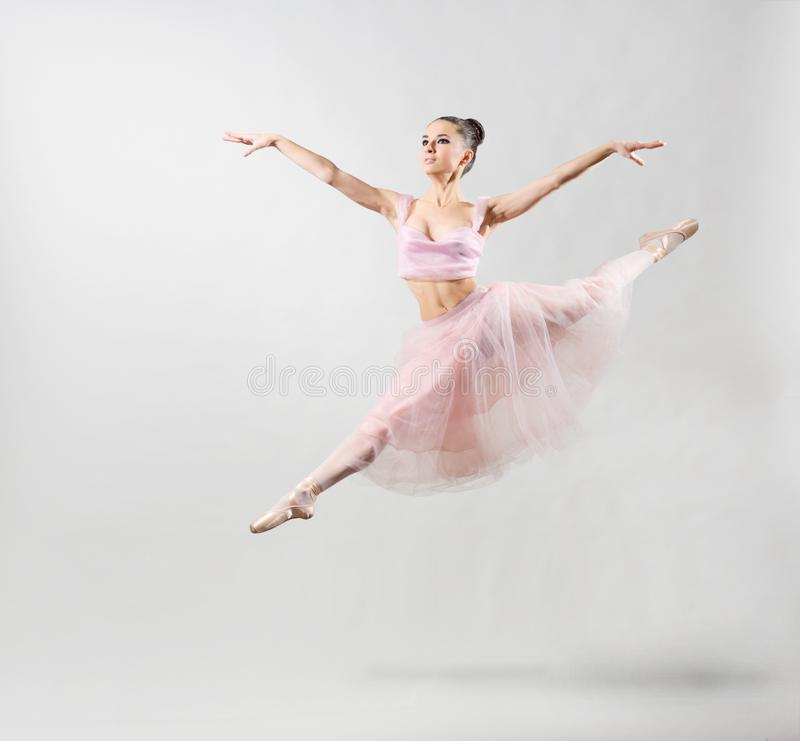 Ballerine sur la version grise image stock