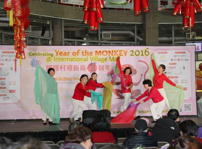 Ballerini alla celebrazione cinese del nuovo anno a Vancouver fotografie stock