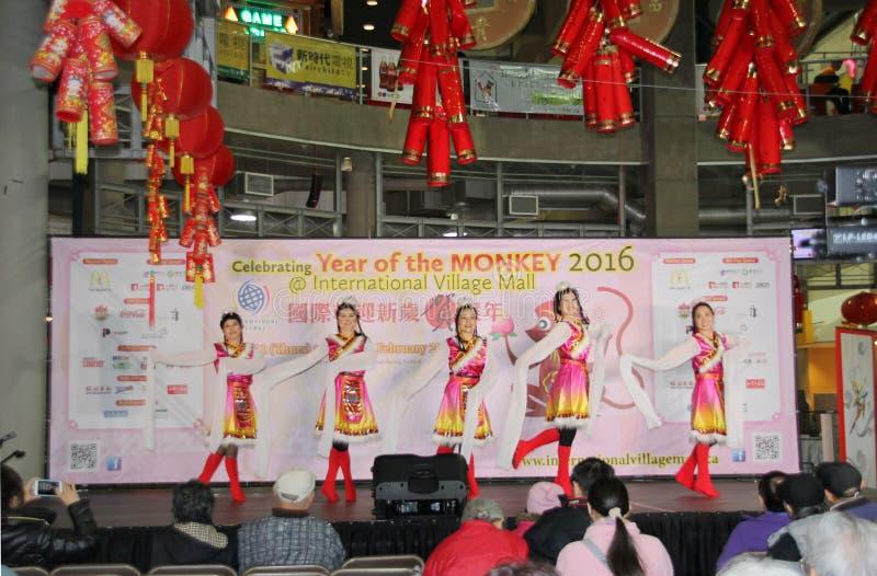 Ballerini alla celebrazione cinese del nuovo anno a Vancouver immagini stock libere da diritti