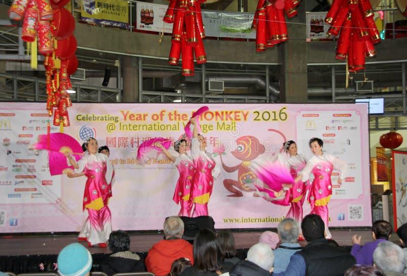 Ballerini del fan alla celebrazione cinese del nuovo anno a Vancouver immagini stock libere da diritti