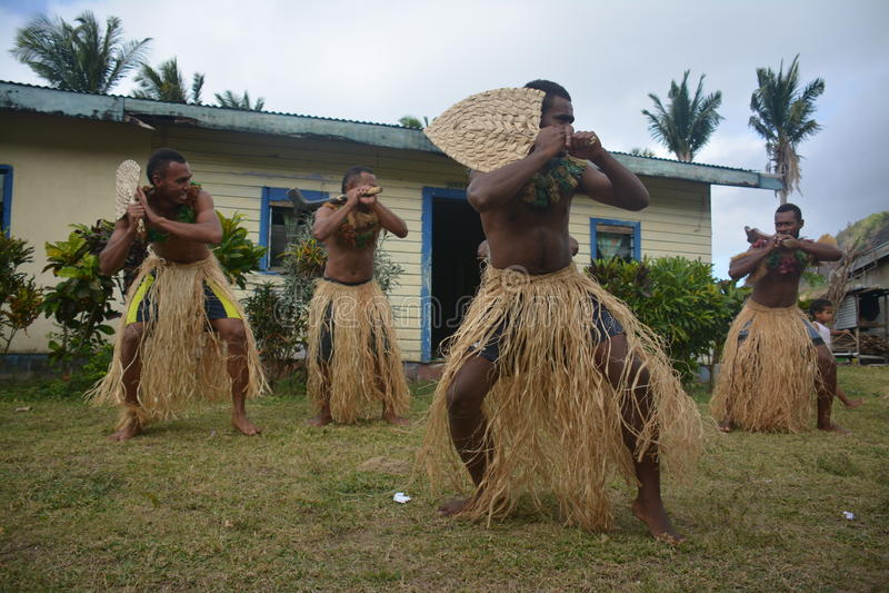 Ballerini del nativo del Fijian fotografia stock