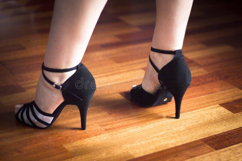 Ballerino del Latino di ballo da sala fotografie stock