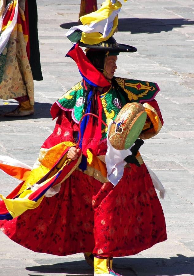 Ballerino del tamburo al festival di Wangdue Tshechu nel Bhutan immagine stock