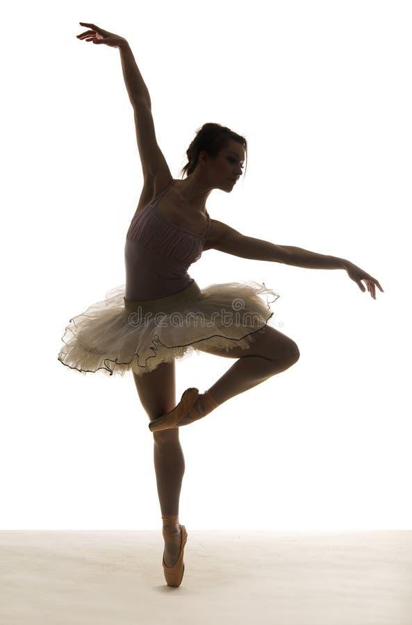 Ballerino di balletto della siluetta fotografia stock libera da diritti