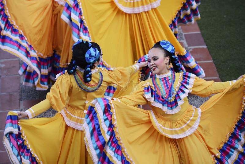 Ballerino folclorico messicano fotografie stock libere da diritti