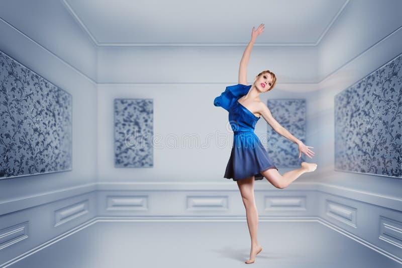 Ballet de danse de femme photo libre de droits