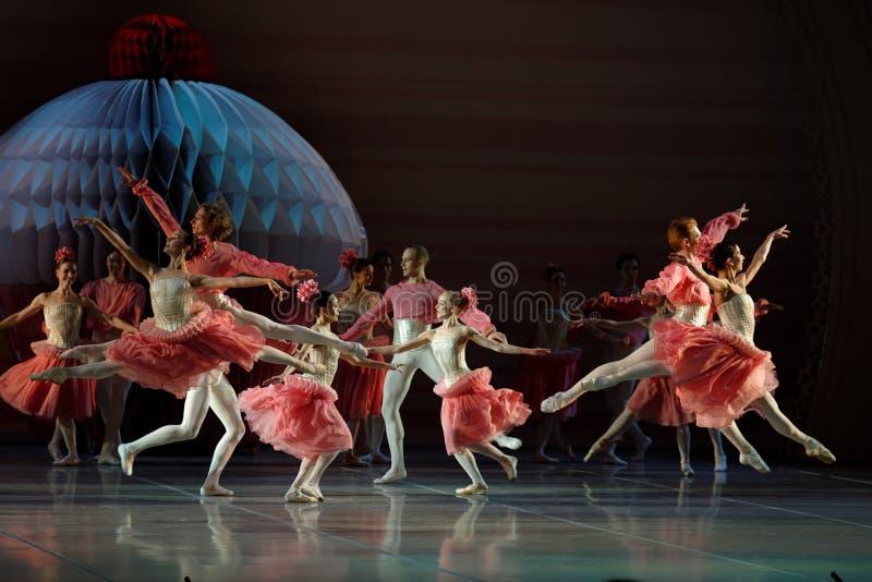 Ballet de Notekraker in Mikhailovsky-theater tijdens de het sluiten ceremonie van het Internationale Culturele Forum van St. Pete royalty-vrije stock foto