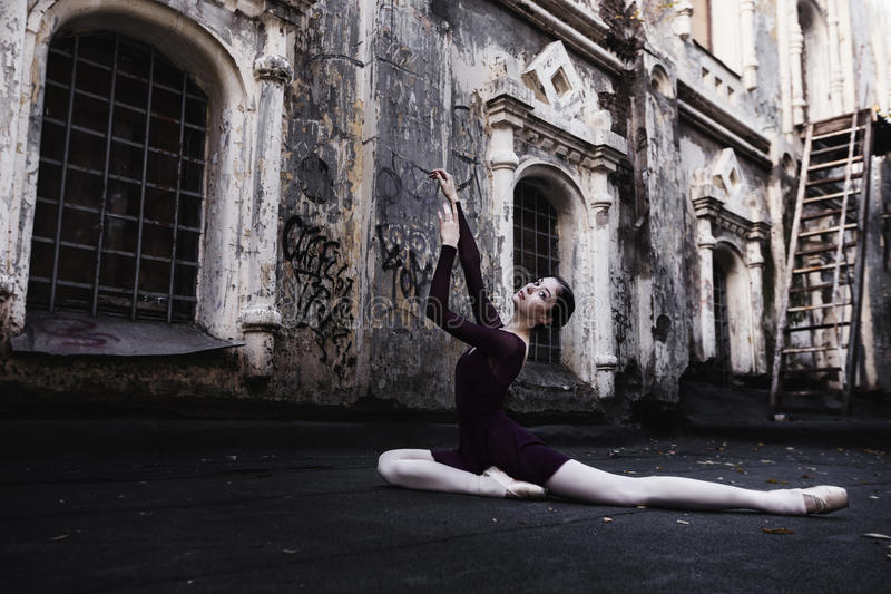 Ballet in de oude stad royalty-vrije stock foto's