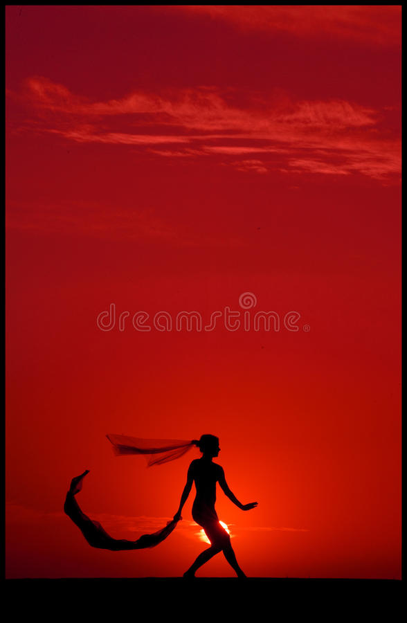 Ballett am Sonnenuntergang lizenzfreies stockbild