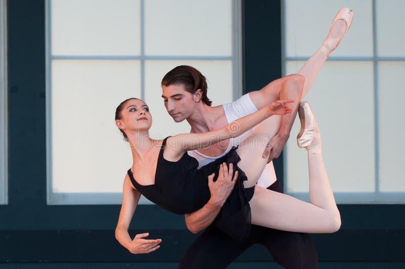 Balletto nel parco immagini stock