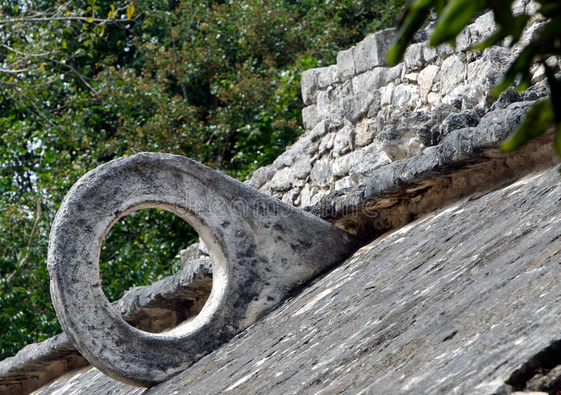ballgame mayan καταστροφές στεφανών στοκ εικόνες