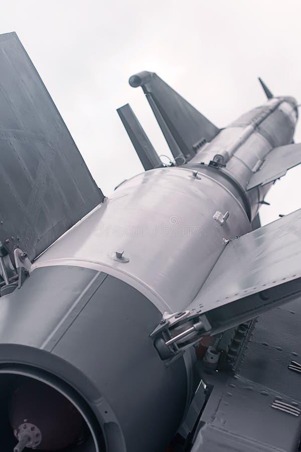 Ballistisk raket Kärn- missil med stridsdelen Krig Backgound fotografering för bildbyråer