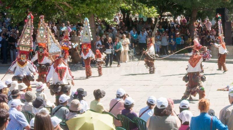 Download Ballo Dei Pastori Al Festival Delle Rose In Bulgaria Fotografia Stock Editoriale - Immagine di d0, bulgaria: 56892668