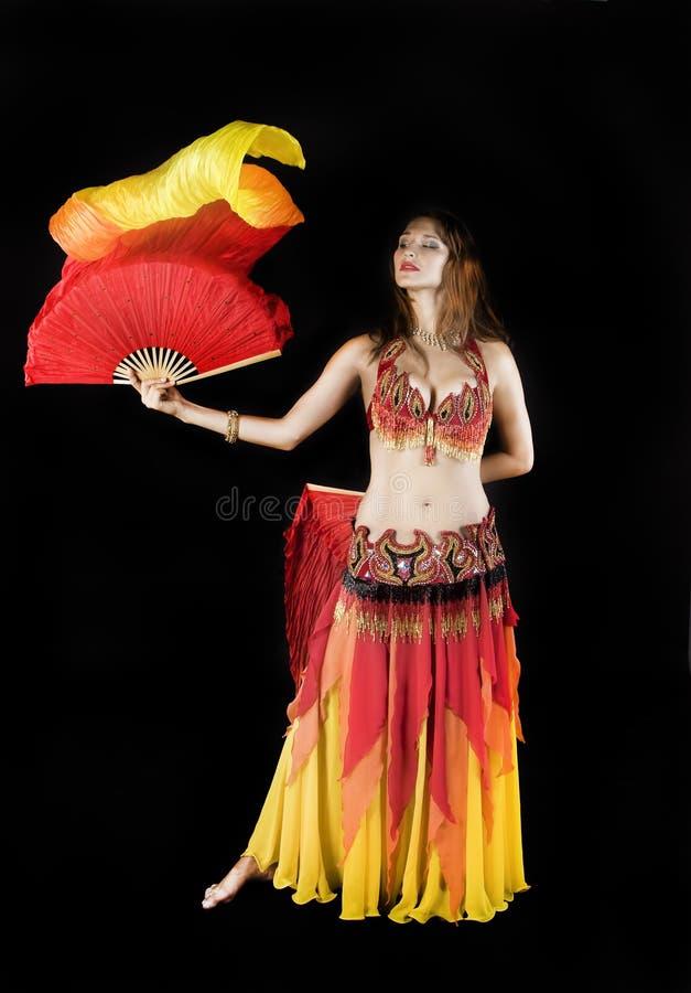 Ballo della ragazza di bellezza con la bandierina fotografia stock libera da diritti