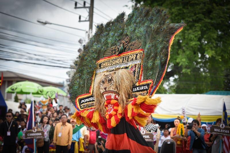 Ballo di manifestazione dell'Indonesia della maschera fotografie stock libere da diritti