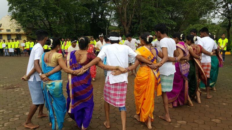 Ballo di Team Tribal dell'India fotografia stock libera da diritti