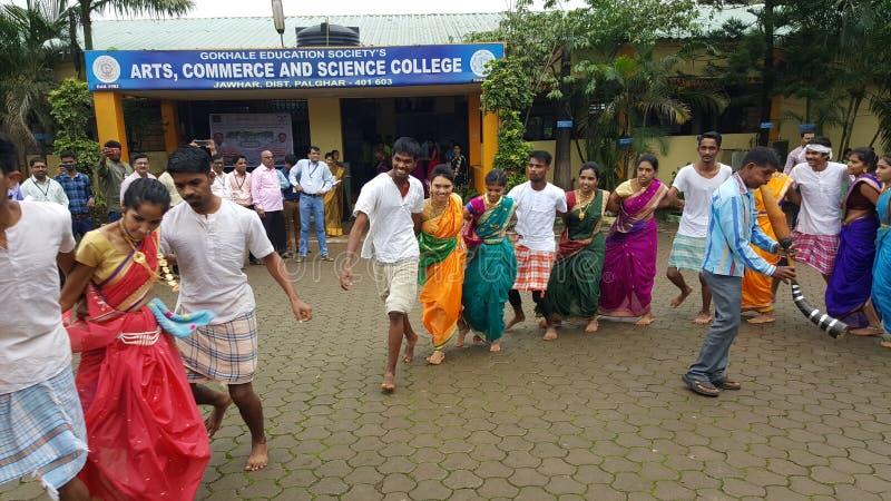 Ballo di Team Tribal dell'India immagini stock libere da diritti