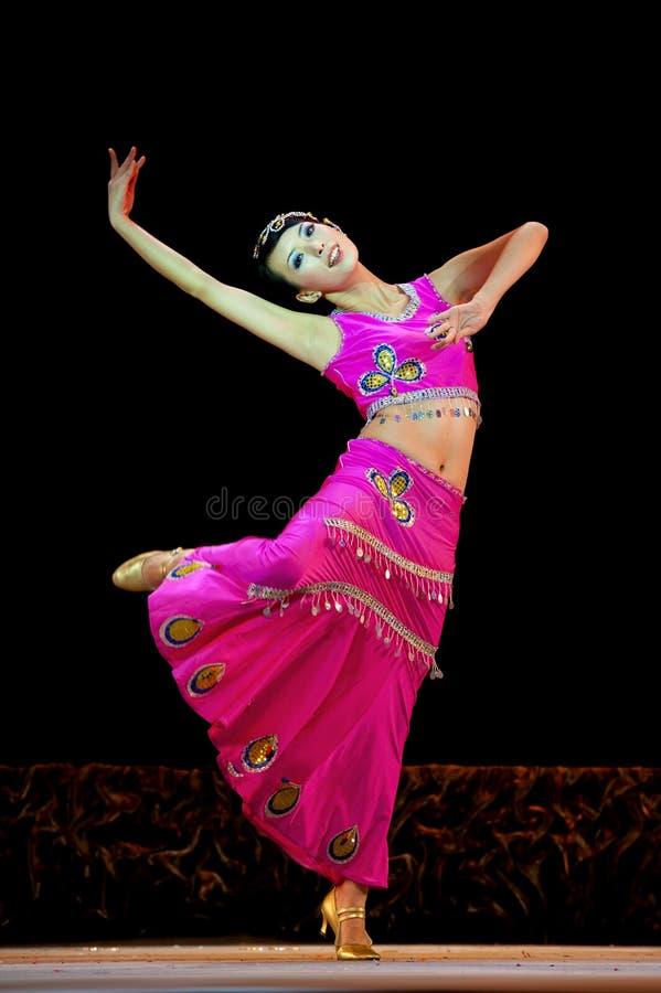 Ballo etnico cinese del Dai fotografia stock