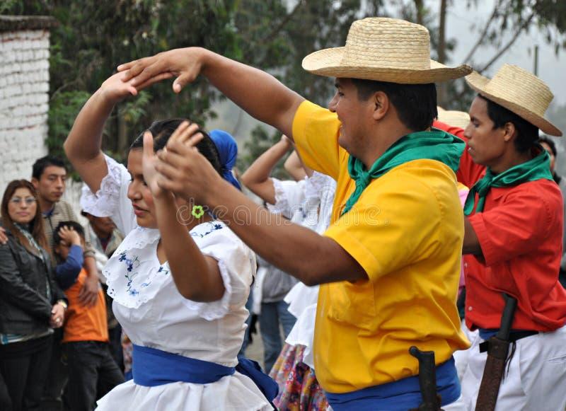 Ballo tradizionale del Ecuadorian fotografia stock libera da diritti