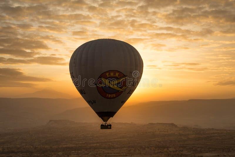 Ballon à air chaud de voyage romantique images libres de droits