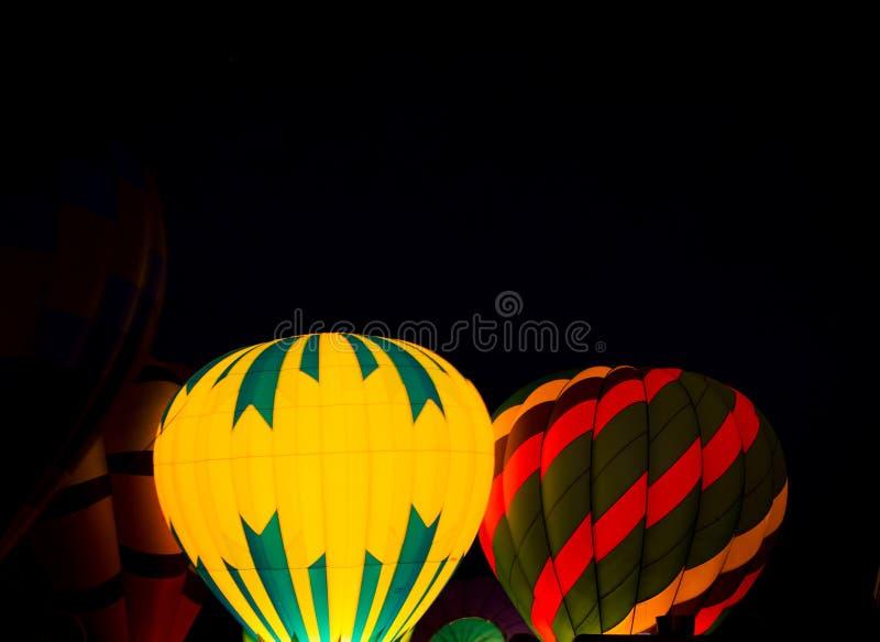 Ballon à air chaud la nuit images libres de droits