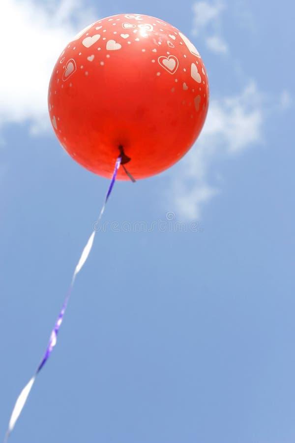 ballon κόκκινο καρδιών στοκ εικόνα