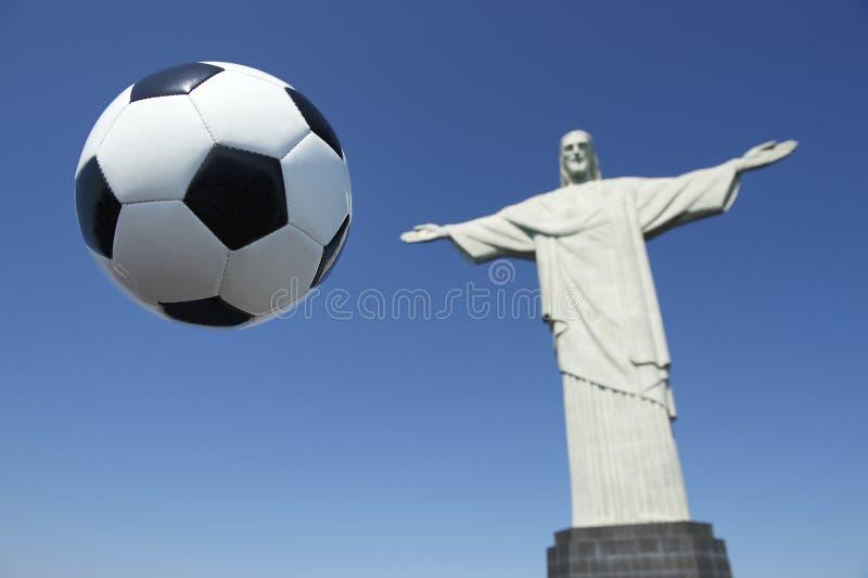 Ballon de football Corcovado Rio de Janeiro du football du Brésil photos libres de droits