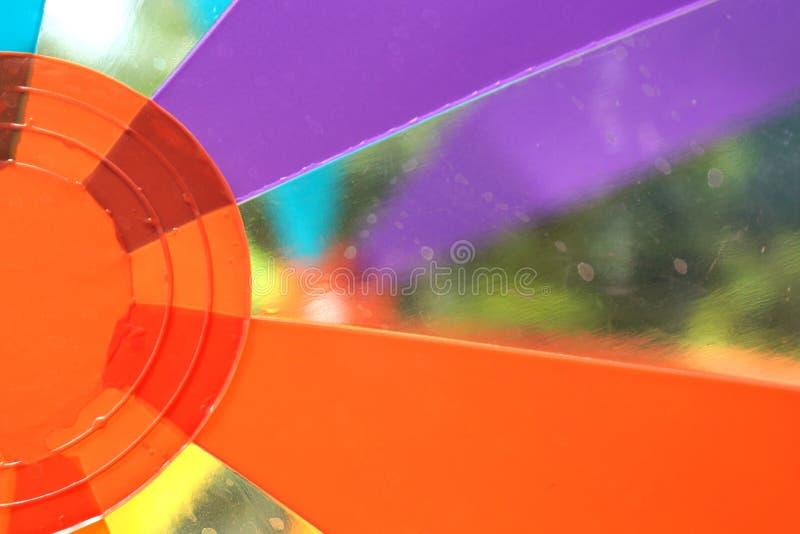 Ballon de plage dans la piscine photo libre de droits
