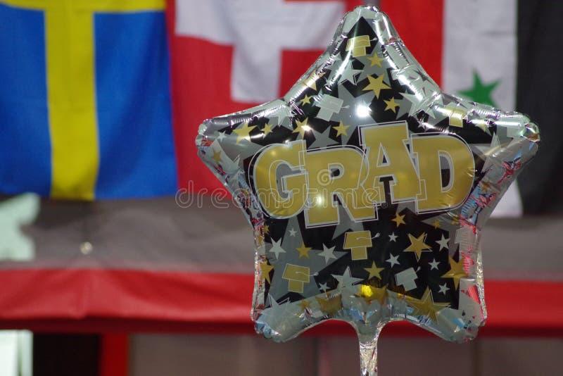 Ballon die de graduatie van studenten vieren stock foto's