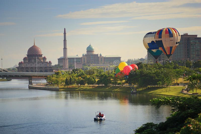 Ballon Putrajaya do ar quente foto de stock