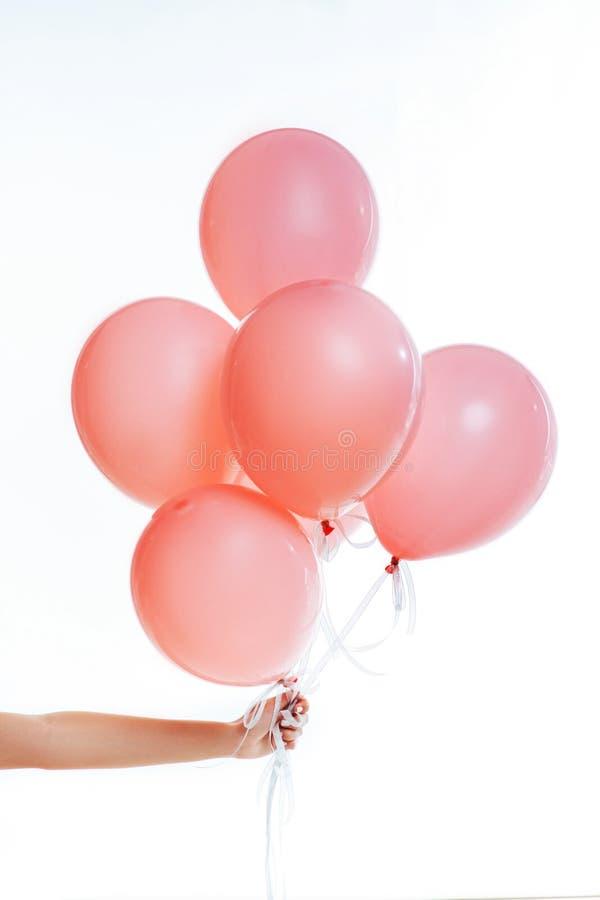 Ballon rose de vol photos stock