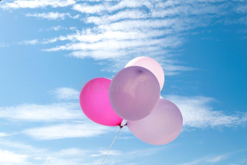 Ballon sur le ciel, partie, amour photos libres de droits