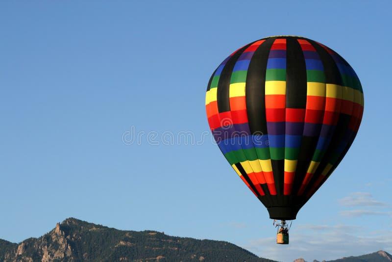 Ballon tijdens de vlucht stock afbeelding