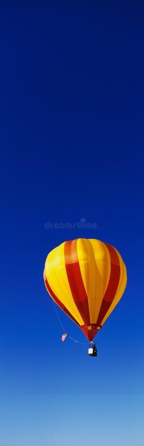 Ballon tijdens de vlucht bij het Festival van de Ballon van Albuquerque royalty-vrije stock foto