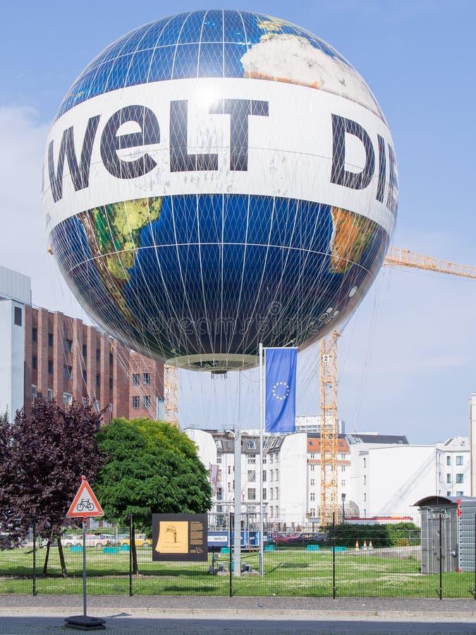 Ballong för varm luft Hiflyer, Highflyer, världsballong i Berlin, Tyskland royaltyfri bild
