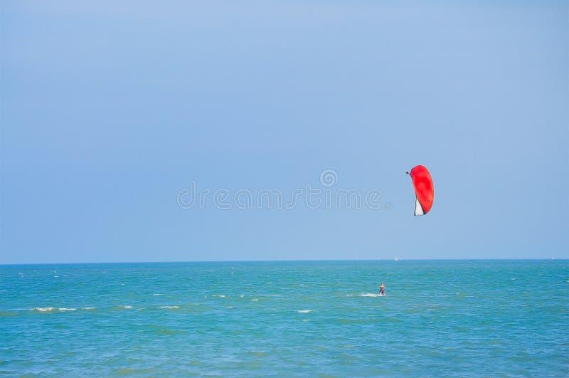 Ballong f?r varm luft, nautisk skyttel, segelb?t, segling, sport arkivbilder