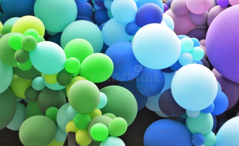 Ballonger med banret royaltyfri foto